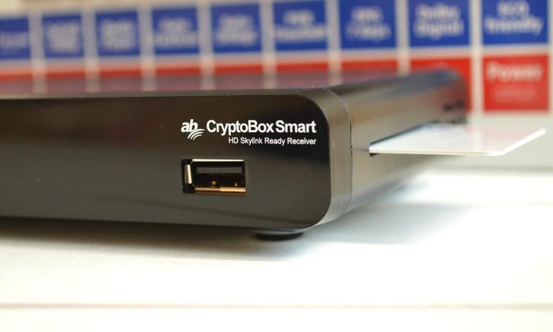 AB CryptoBox Smart – nový prijímač s licencovanou čítačkou kariet Irdeto